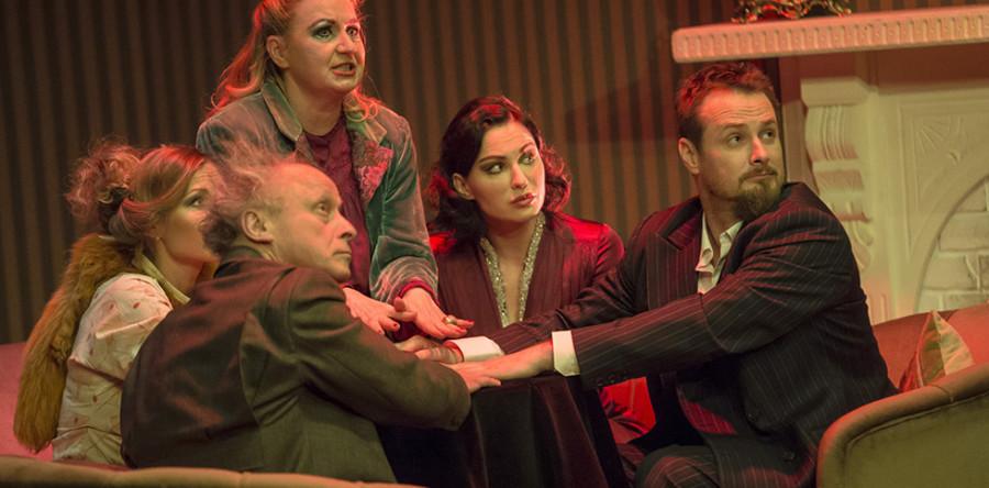 Medium, Teatr Kwadrat – foto ze spektaklu